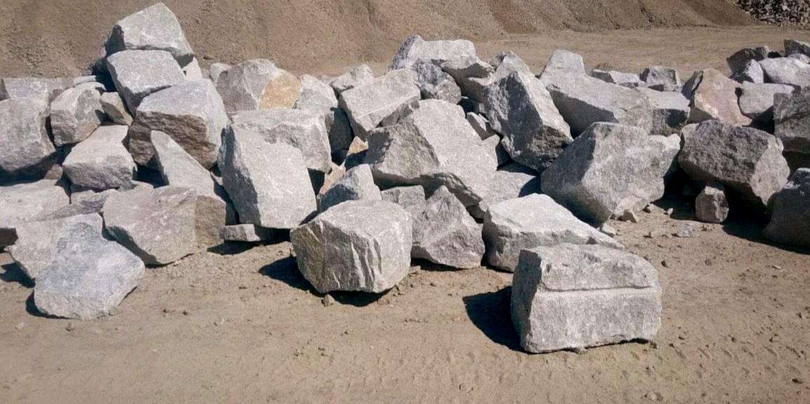Dostawa i rozładunek Kamienia hydrotechnicznego