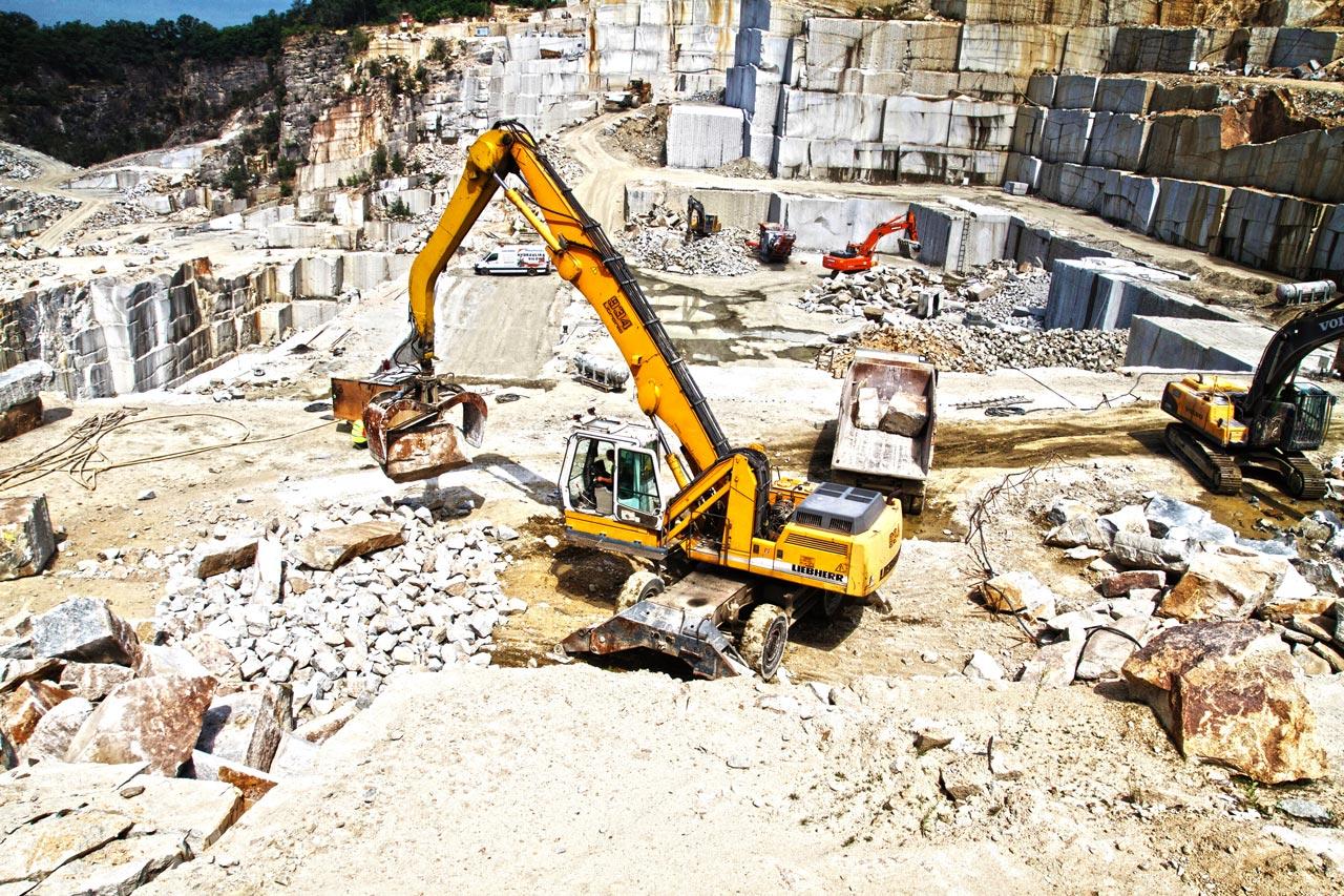 Produkcja kamienie hydrotechnicznego - kamieniołom