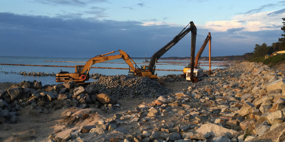 Dostawa hydrokamienia do ochrony brzegów plaży w Ustce