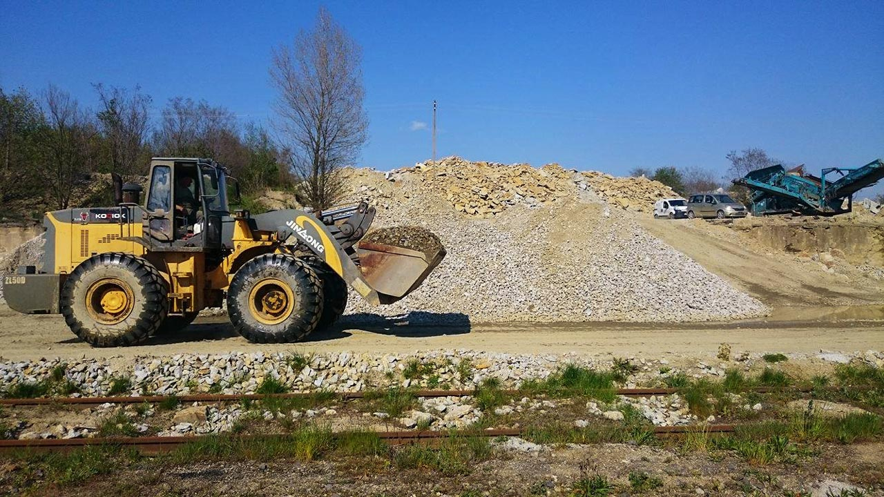 Transport i produkcja granitowego kruszywa drogowego